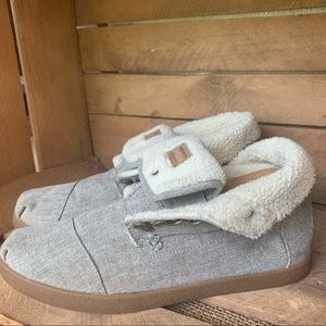 • toms • sherpa boots 10